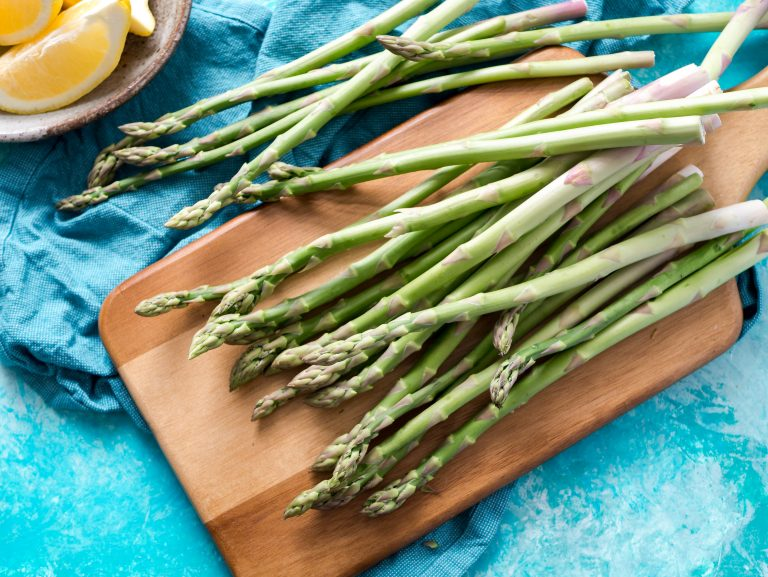 fresh asparagus for spring lunches